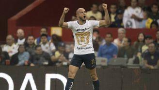 Carlos González celebra anotación contra el América