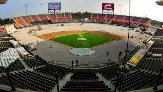 Directivos de MLB recorren el nuevo estadio de los Diablos Rojos