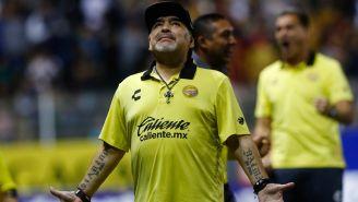 Maradona, durante un juego con Dorados