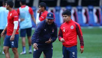 Chofis López y Cardozo en un entrenamiento de Chivas