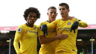 Morata y sus compañeros celebran anotación contra Chelsea