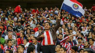 Afición de Chivas durante un partido ante Pumas