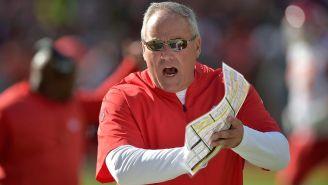 Bob Sutton, excoordinador defensivo de los Chiefs