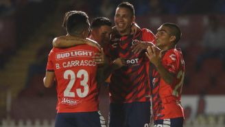 Jugadores del Veracruz celebran gol en la Copa MX