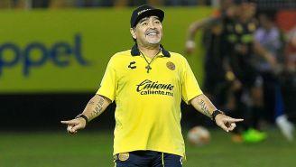 Maradona en un partido con Dorados