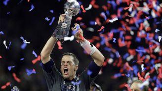 Brady levantando el Vince Lombardi