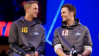 Jared Goff y Tom Brady en conferencia de prensa