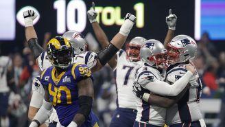 Jugadores de New England festejan durante el SB LIII