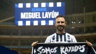 Miguel Layún durante su presentación con Rayados