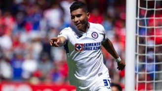 Orbelín Pineda festeja su gol ante Toluca
