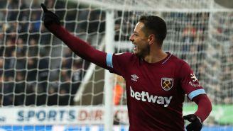 Chicharito festeja un tanto con el West Ham esta temporada
