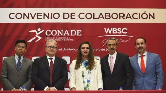 Fraccari, Ana Gabriela Guevara y Mayorga, durante la firma del Convenio