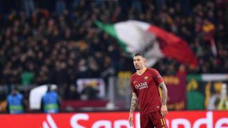 Aleksandar Kolarov durante el duelo entre la Roma y el Porto
