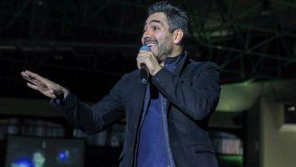 Omar Chaparro durante el evento RetOMAR