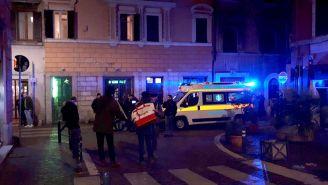 Policía acude al lugar de la pelea en el centro de Roma