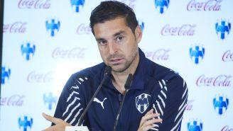 Diego Alonso durante conferencia de prensa de Rayados