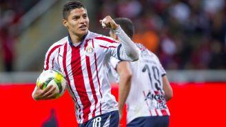 Ronaldo Cisneros festeja gol con el Rebaño
