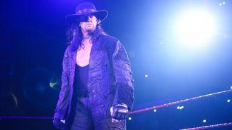 Undertaker hace su entrada en WWE