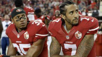 Colin Kaepernick protesta durante un juego de los 49ers