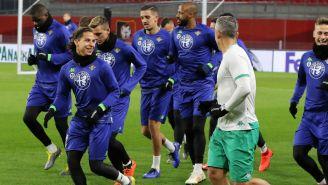 Lainez durante sesión de entrenamiento del Betis