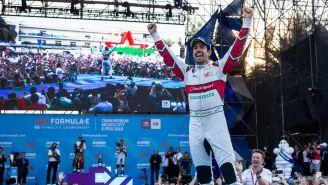 Lucas Di Grassi festejando su triunfo