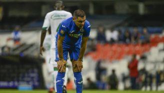 Pablo Aguilar se lamenta durante juego de Cruz Azul