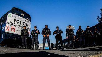Elementos de seguridad en el Estadio Olímpico