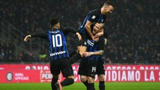 Inter de Milán celebra una anotación frente al Sampdoria