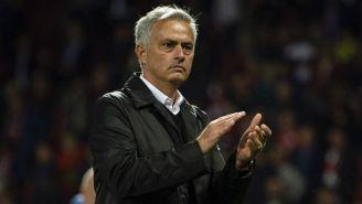 Mourinho aplaude en partido del Man United