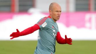 Arjen Robben se ejercita en un entrenamiento del Bayern
