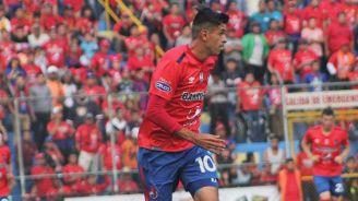 Arce disputa un duelo en la Liga de Guatemala