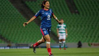 Rebeca Bernal festeja gol con Rayados