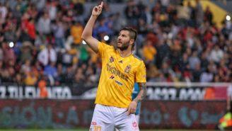 Gignac festeja su gol ante el Atlas