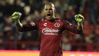 Gibran Lajud grita tras un gol de Xolos en el C2019