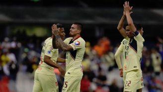 Nico Castillo festeja anotación contra Lobos