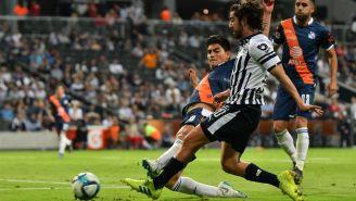 Pizarro no logra rematar ante la dura marca de La Franja