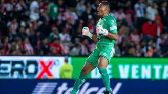 Alfonso Blanco festeja un gol del Pachuca