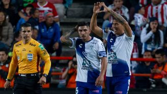 José Ulloa festeja gol contra Chivas