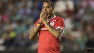 Felipe Pardo se lamenta durante un juego del Toluca