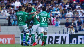 León festeja gol contra Pumas