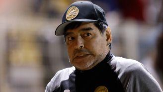 Maradona, durante un juego con Dorados de Sinaloa