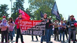 Alumnos se manifiestan en contra de lo que sucede en la UAM