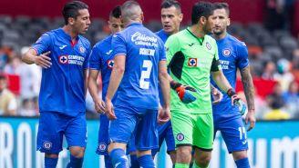 Aguilar y Méndez discuten en juego de Cruz Azul