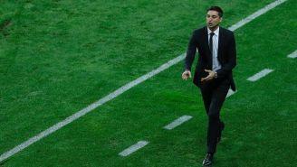 Diego Alonso en el partido contra Chivas
