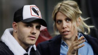 Mauro Icardi y Wanda Nara observan un duelo del Inter