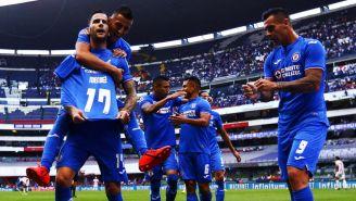 El festejo de los jugadores de Cruz Azul en la J9 del Clausura 2019