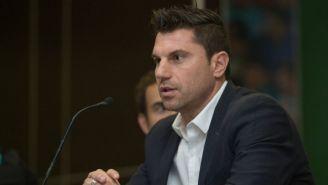 Leandro Cufré habla durante una conferencia de prensa