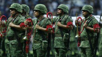 Elementos de la Policía Militar previo al arranque del Clásico Regio