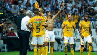 Quiñones y sus compañeros celebran anotación contra Monterrey