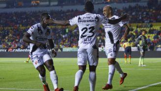 Ariel Nahuelpan festeja gol contra Morelia